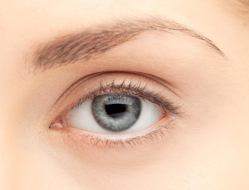 目の整形の失敗・修正・再手術