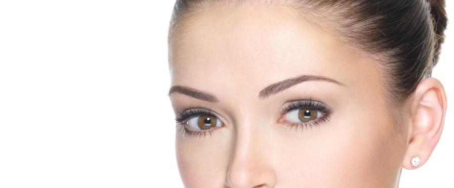目の上のしわの美容整形のリアルな効果と失敗・修正
