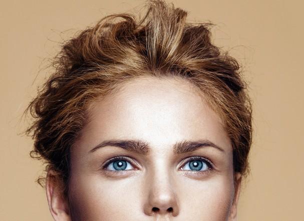 眉間のしわの美容整形のリアルな効果と失敗・修正