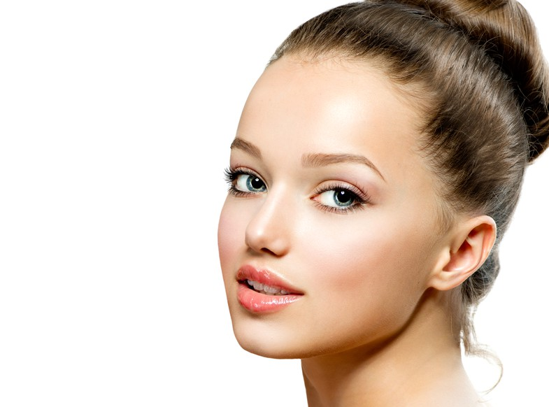 頬のしわの美容整形のリアルな効果と失敗・修正