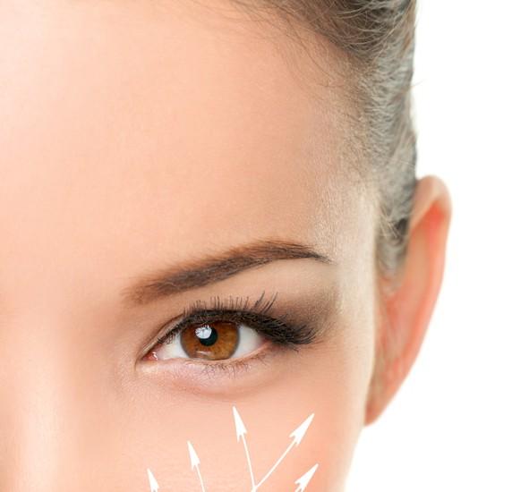 目の下のたるみの美容整形のリアルな効果と失敗・修正