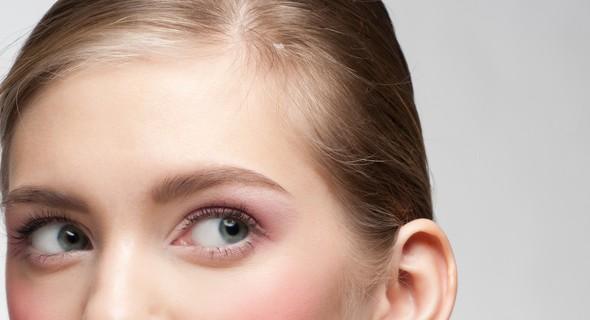 目尻のしわの美容整形のリアルな効果と失敗・修正